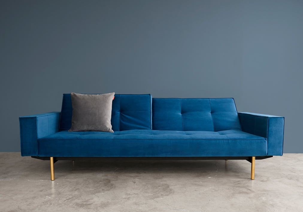 Splitback sofa bed with light stem legs