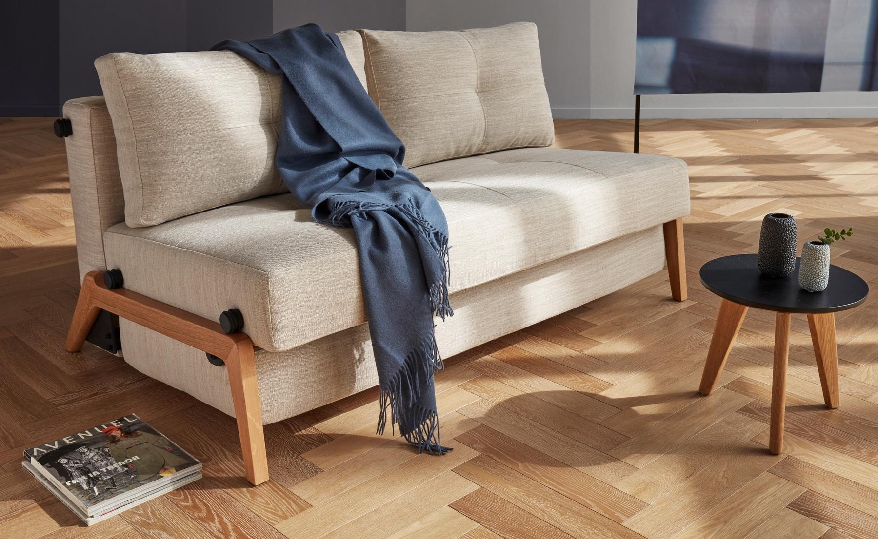 Cubed 02 140 cm Wooden Legs